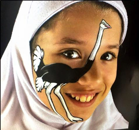 Mariyah face painting not wrestling child