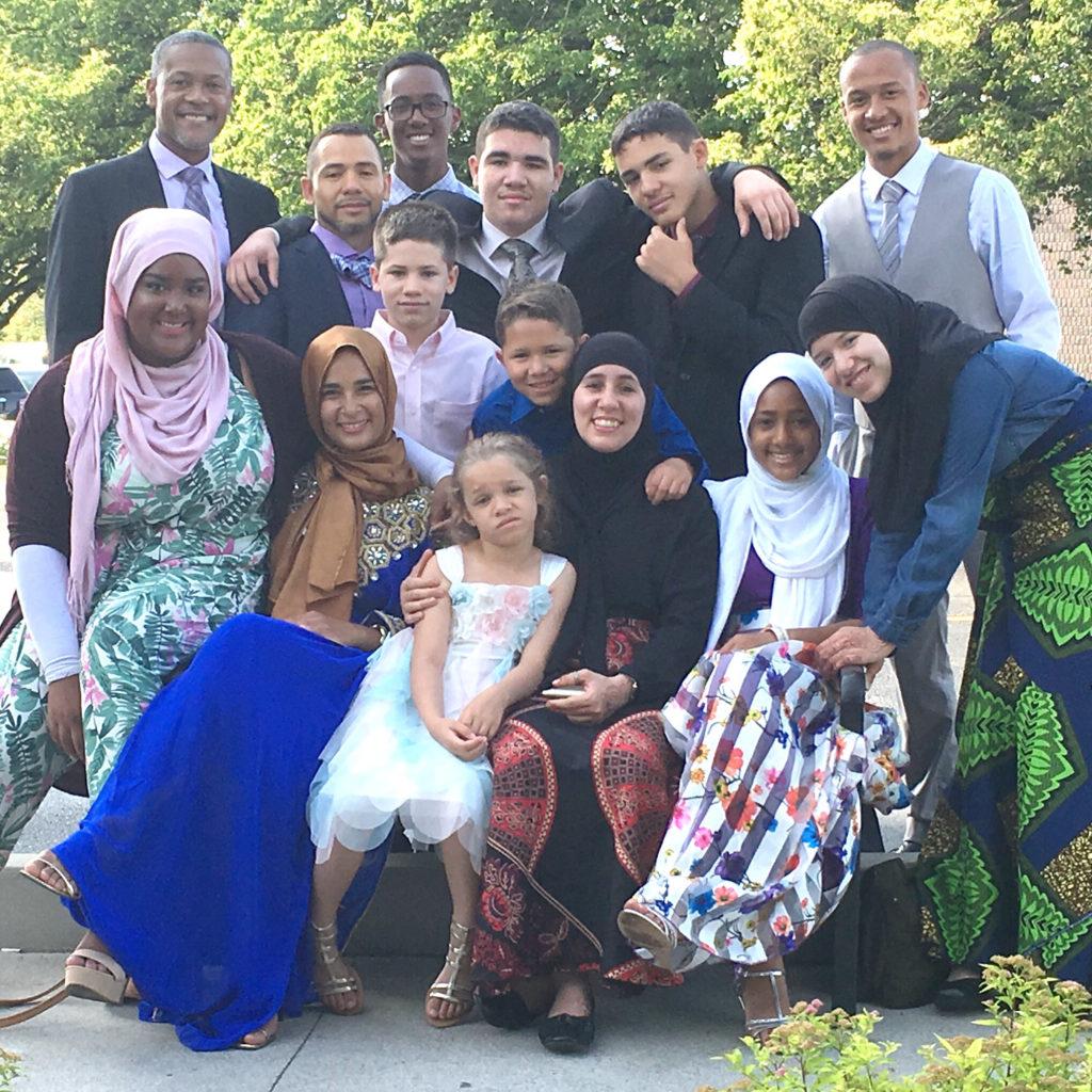 Big famiyl celebrate eid ramadan Yasin dwyer salimah midwife khadija dawn carryl jamal pender hennasooq