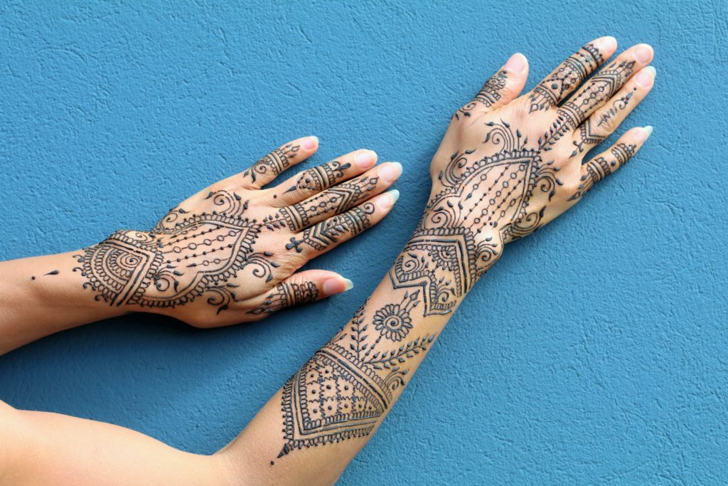 hands sole henna tattoo body art hennasooq artist ginuwine dc dmv columbia yoga brandywine columbia