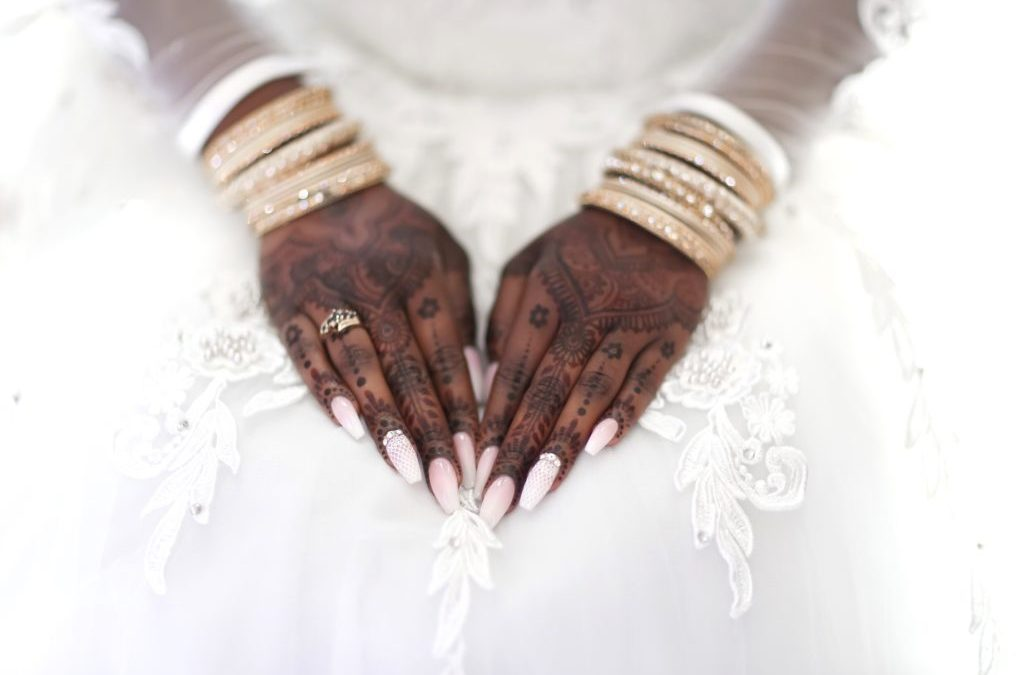 The white wedding dress and henna. Do they go together?